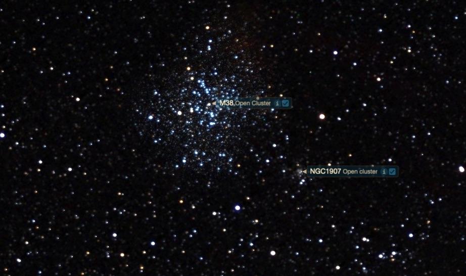 M38 ve NGC 1907'nin yeri.